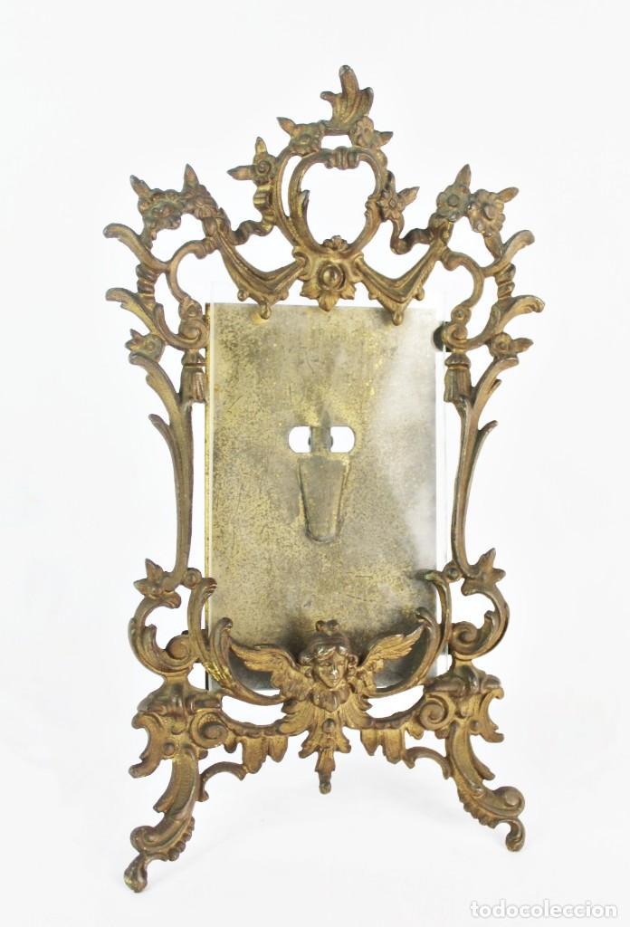 MARCO DE BRONCE S XIX CON ÁNGELES. (Antigüedades - Hogar y Decoración - Marcos Antiguos)
