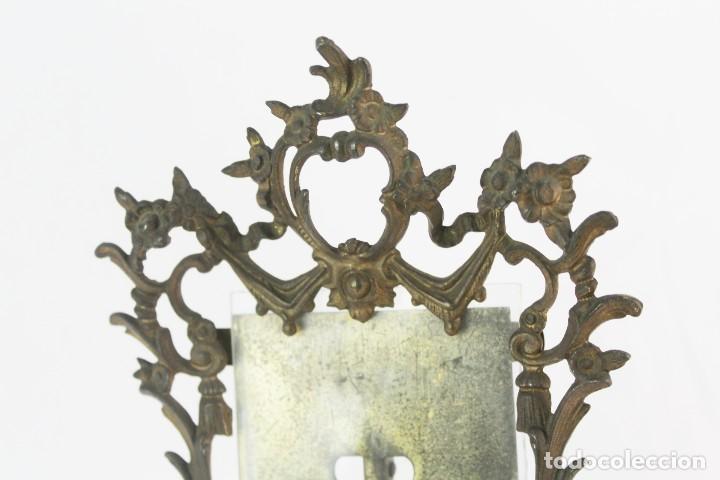 Antigüedades: Marco de bronce s XIX con ángeles. - Foto 4 - 135395018