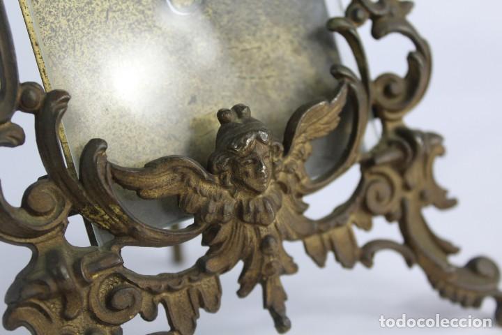 Antigüedades: Marco de bronce s XIX con ángeles. - Foto 6 - 135395018