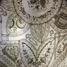 Antigüedades: TRES FUNDAS DE COJIN. BATISTA. FINOS ENCAJES. BORDADOS. ESPAÑA. SIGLO XIX. Lote 135433666