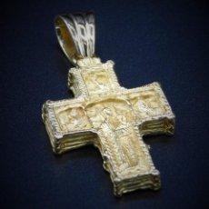 Antigüedades: MAGNIFICA CRUZ RETABLO AMBAS CARAS ESTILO BIZANTINO ORO 18K - 27GR. Lote 135460194