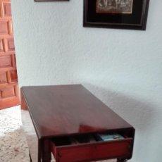 Antigüedades: MESA DE CAOBA. Lote 135499646