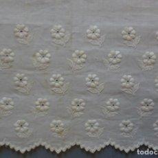 Antigüedades: ANTIGUO BAJO DE BATISTA BORDADA - PRINCIPIO DE S. XX . Lote 135507182