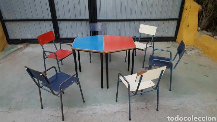 Antigüedades: Conjunto mesas y 6 sillas para niños - Foto 4 - 135542909
