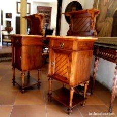 Antigüedades: PAREJA DE MESITAS DE NOCHE. Lote 135560346