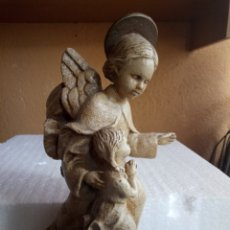 Antigüedades: FIGURA DE ANGEL O VIRGEN SOBRE PEANA. Lote 135575801