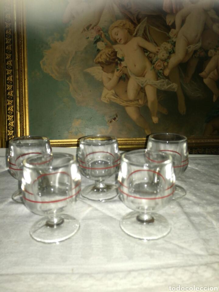 5 COPAS DE LICOR LINEA ROJA (Antigüedades - Cristal y Vidrio - Otros)