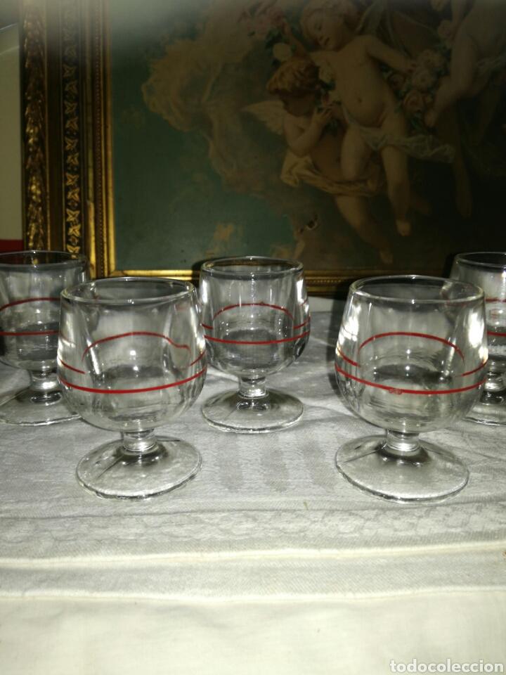 Antigüedades: 5 copas de licor linea roja - Foto 3 - 135600886