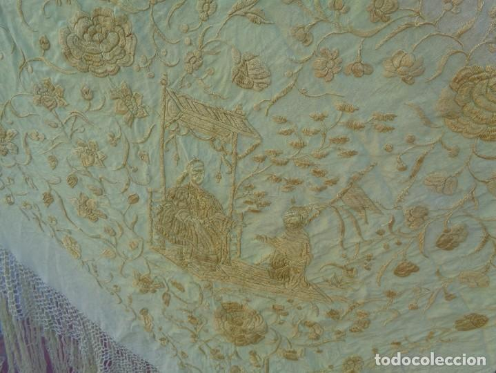 Antigüedades: PRECIOSO Y ANTIGUO GRAN MANTON DE MANILA ISABELINO ALA DE MOSCA CON MOTIVOS CHINESCOS Y FLORALES - Foto 13 - 135606650