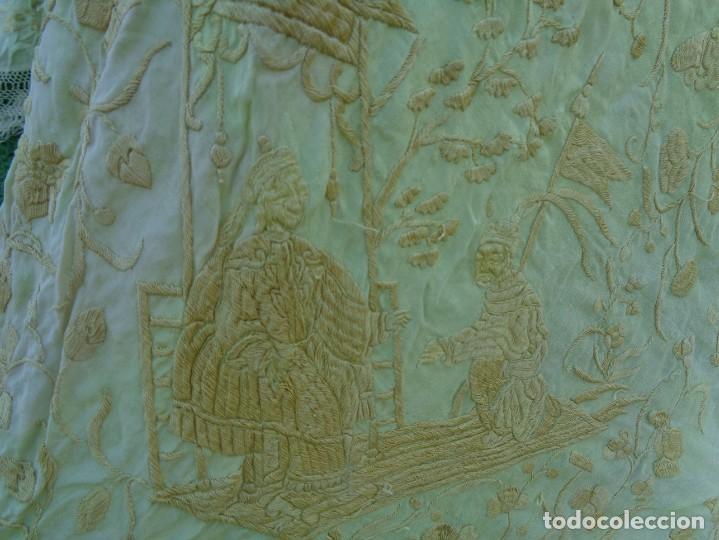 Antigüedades: PRECIOSO Y ANTIGUO GRAN MANTON DE MANILA ISABELINO ALA DE MOSCA CON MOTIVOS CHINESCOS Y FLORALES - Foto 27 - 135606650