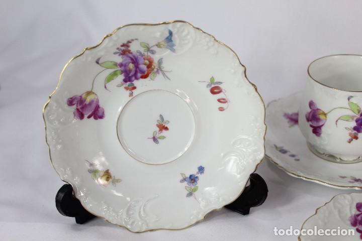 Antigüedades: Diez tazas de delicadas flores pintadas a mano, diferentes entre si, porcelana alemana pps s XX - Foto 4 - 135644887