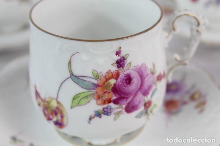 Antigüedades: Diez tazas de delicadas flores pintadas a mano, diferentes entre si, porcelana alemana pps s XX - Foto 6 - 135644887