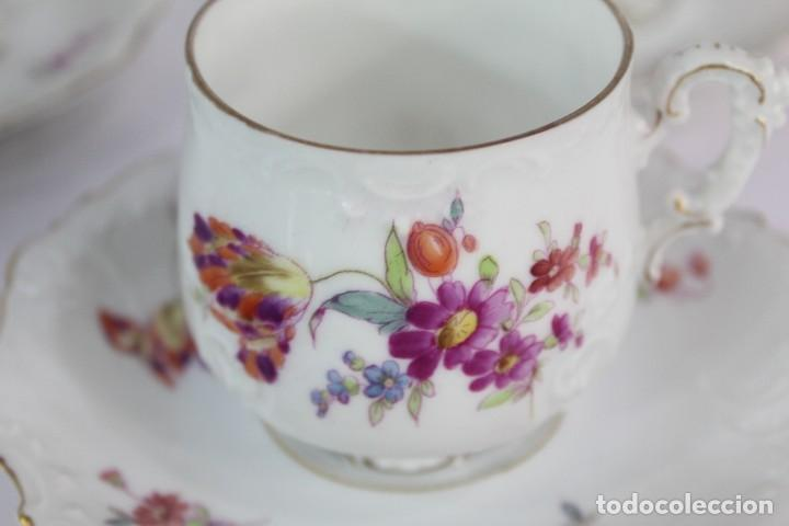 Antigüedades: Diez tazas de delicadas flores pintadas a mano, diferentes entre si, porcelana alemana pps s XX - Foto 7 - 135644887