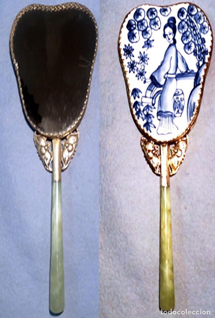 ESPEJO DE PORCELANA CHINA, PLATA TIBETANA Y MANGO DE JADE - 225 GRAMOS. (Antigüedades - Porcelanas y Cerámicas - China)