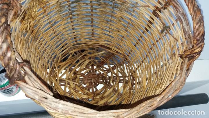 Antigüedades: Antigua cesta de mimbre capazo para fruta setas agricultura ecologica - Foto 3 - 135759026