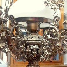 Antigüedades: LAMPARA DE BRONCE, MUY PESADA, BUEN ESTADO. Lote 135787918