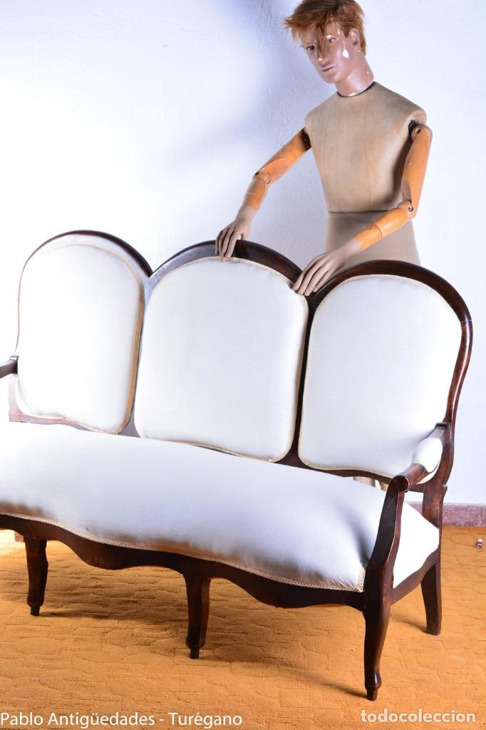 Antigüedades: Sofá isabelino restaurado - Tapicería en color blanco - Sofá antiguo madera posiblemente de frutal - Foto 2 - 135791194