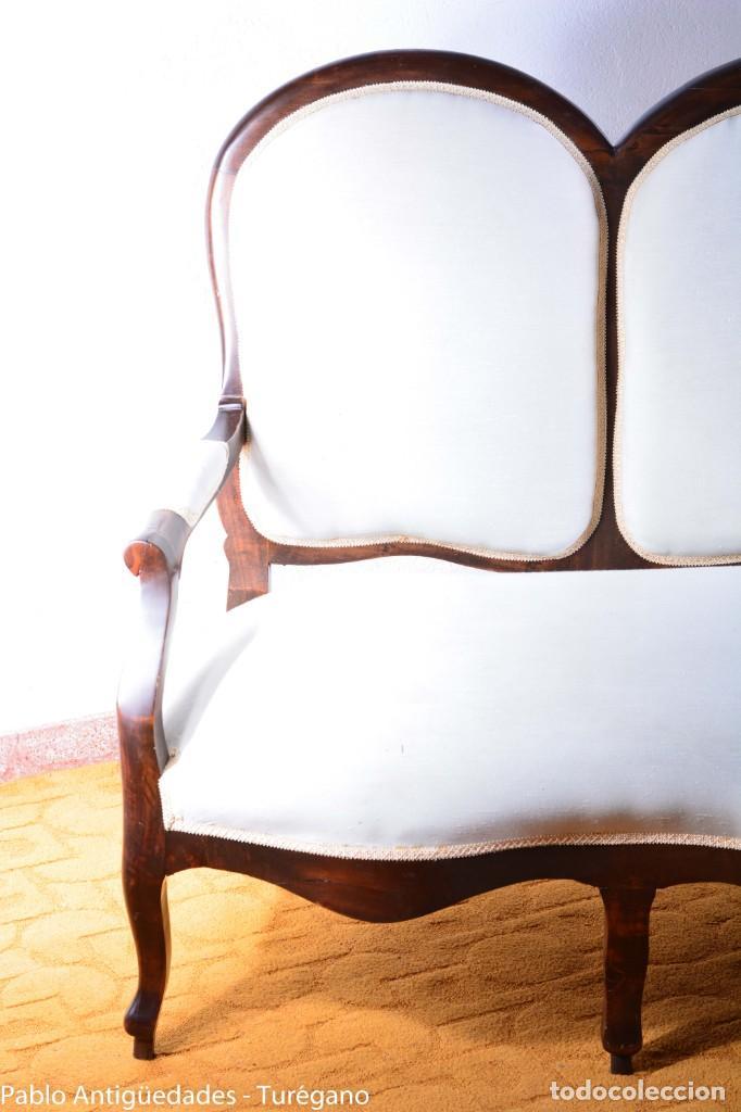 Antigüedades: Sofá isabelino restaurado - Tapicería en color blanco - Sofá antiguo madera posiblemente de frutal - Foto 3 - 135791194
