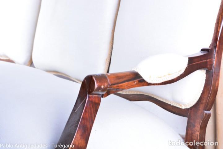 Antigüedades: Sofá isabelino restaurado - Tapicería en color blanco - Sofá antiguo madera posiblemente de frutal - Foto 5 - 135791194