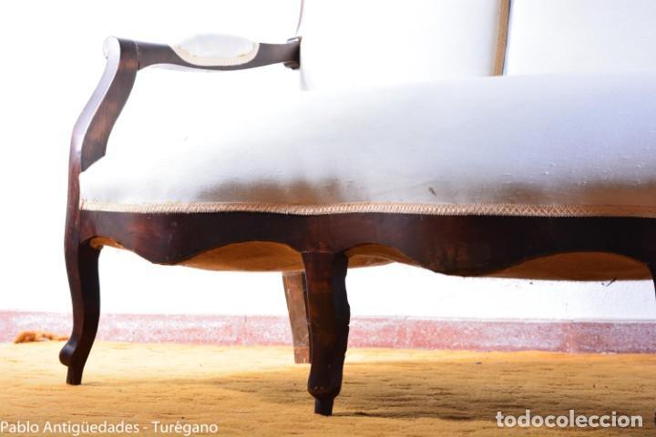 Antigüedades: Sofá isabelino restaurado - Tapicería en color blanco - Sofá antiguo madera posiblemente de frutal - Foto 7 - 135791194