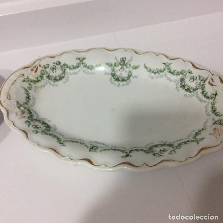 Antigüedades: Antigua sopera, salsera, frutero y dos fuentes aperitivos de porcelana opaca - Foto 10 - 135796778