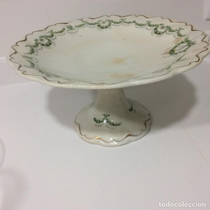 Antigüedades: Antigua sopera, salsera, frutero y dos fuentes aperitivos de porcelana opaca - Foto 14 - 135796778