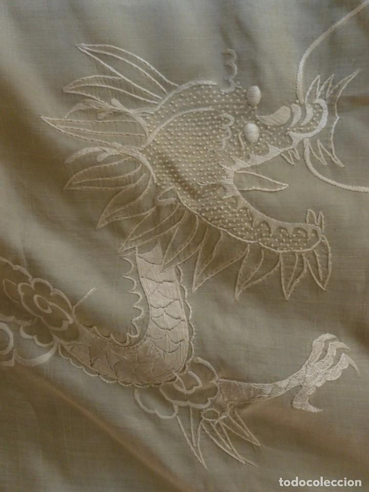 Antigüedades: ANTIGUO MANTÓN DE SEDA ART DECO - DRAGONES CHINOS - PRINCIPIOS S.XX - Foto 3 - 135815342