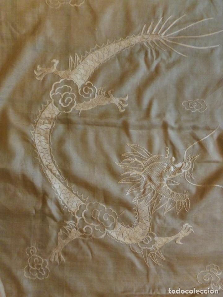 Antigüedades: ANTIGUO MANTÓN DE SEDA ART DECO - DRAGONES CHINOS - PRINCIPIOS S.XX - Foto 6 - 135815342