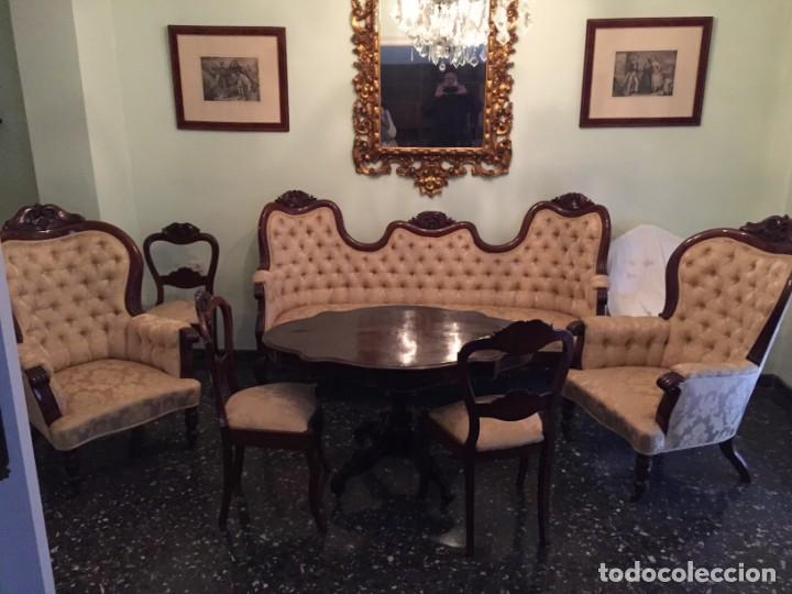 CONJUNTO ESTILO ISABELINO DE TRESILLO (Antigüedades - Muebles Antiguos - Sofás Antiguos)
