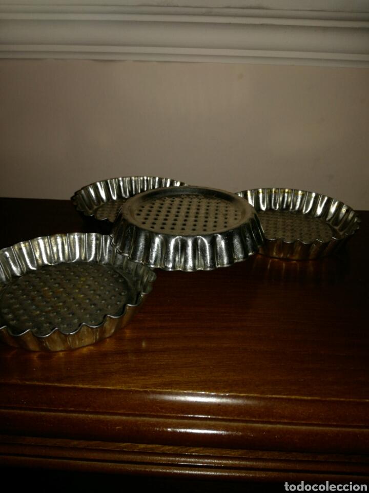 Antigüedades: 4 pequeños moldes de repostería - Foto 2 - 135834434