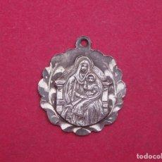 Antigüedades: MEDALLA ANTIGUA EN PLATA VIRGEN SANTA MARÍA DE RIPOLL. GIRONA.. Lote 135845010