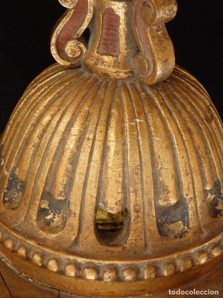 Antigüedades: Farol de techo de estilo barroco en madera tallada y dorada. 63 cm. Hacia 1900. - Foto 17 - 135848010