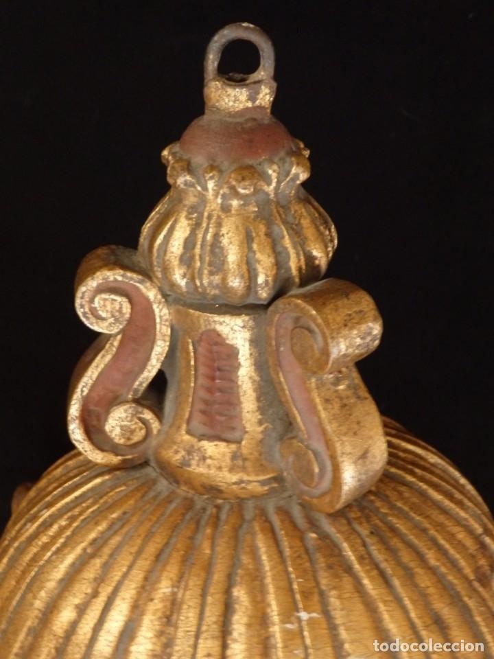 Antigüedades: Farol de techo de estilo barroco en madera tallada y dorada. 63 cm. Hacia 1900. - Foto 18 - 135848010