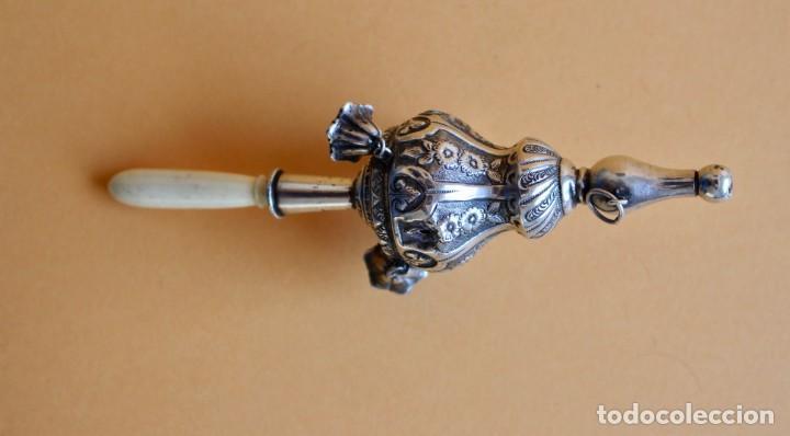 Antigüedades: Sonajero silbato plata con campanillas y mango de marfil o hueso español principios siglo XIX - Foto 3 - 135898514