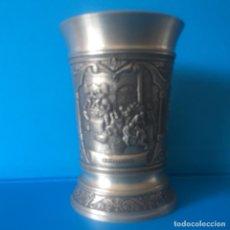 Antigüedades: VASO FRIELING ZINN EN RELIEVE - SERIE WEINROMANTIK. Lote 135899226