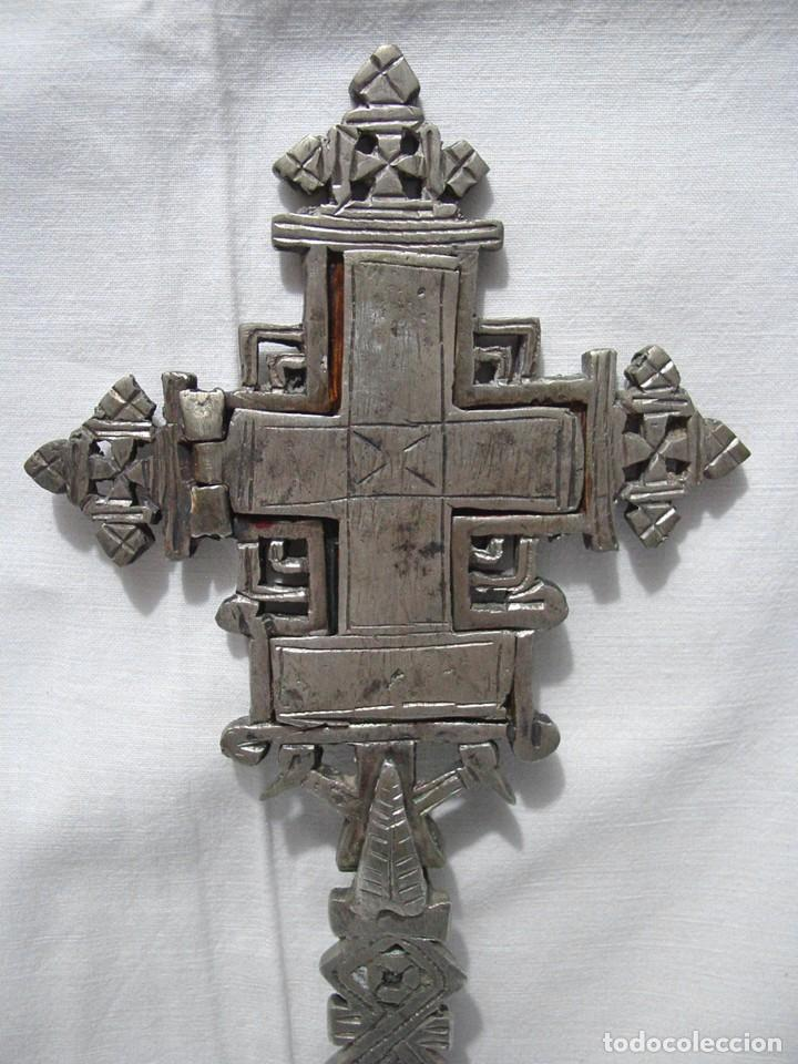 Antigüedades: ANTIGUA GRAN CRUZ COPTA CON ICONO. ALEACIÓN CON PLATA O BAÑO DE PLATA SOBRE BRONCE-36,2 X 12 CM - Foto 4 - 135912282