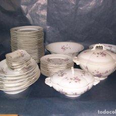Antigüedades: VAJILLA PORCELANA VIOLETAS HAVILLAND LIMOGES. Lote 135914874