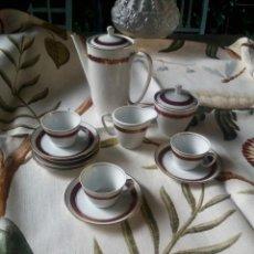Antigüedades: JUEGO DE CAFE ANTIGUO DE SANTA CLARA CON FILO DORADO Y ROJO. Lote 135939066