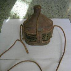 Antigüedades: MUY ANTIGUA GAVIA RECOLECTORA DE GRILLOS. Lote 136000278