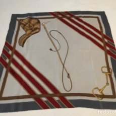Antigüedades: PAÑUELO CELINE DE SEDA NATURAL. Lote 136012454