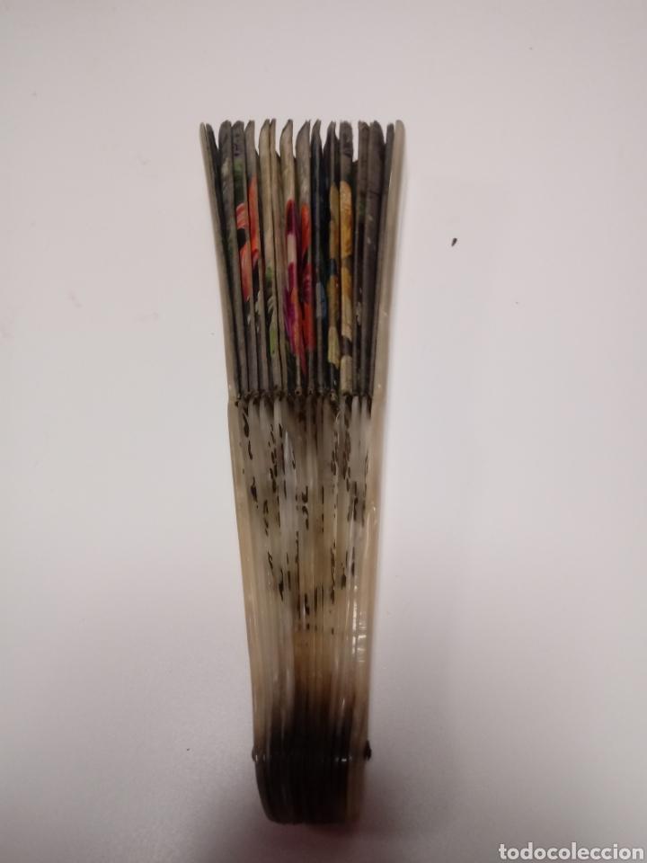 Antigüedades: antiguo abanico pintado a mano doble cara - Foto 3 - 136174784