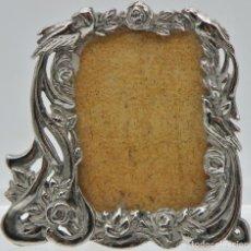 Antigüedades: IMPORTANTE MARCO DE FOTOS EN PLATA DE LEY ART DECÓ. Lote 136219602