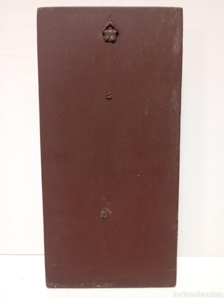 Antigüedades: Cuadro de virgen en escayola sobre madera - Foto 3 - 136267869