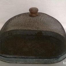 Antigüedades: FRESQUERA - CARNERA - QUESERA METÁLICA. Lote 136276290