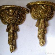 Antigüedades: MARAVILLOSA PAREJA DE MENSULAS -PEANAS DORADAS , PAN DE ORO. Lote 136301530