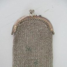 Antigüedades: ANTIGUO MONEDERO - MALLA DE PLATA - 2 COMPARTIMENTOS - 2 ANILLOS PARA COLGAR - PRINCIPIOS S. XX. Lote 136341518