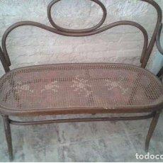 Antigüedades: PRECIOSO SOFA ANTIGUO, TONET, BANQUITO. Lote 136399826