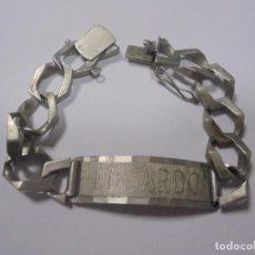 Antigüedades: ESCLAVA DE PLATA. 19 CM APROX. GRABADO EL NOMBRE DE EDUARDO. 14/2/75. 38 GRAMOS. VER.. Lote 136442102