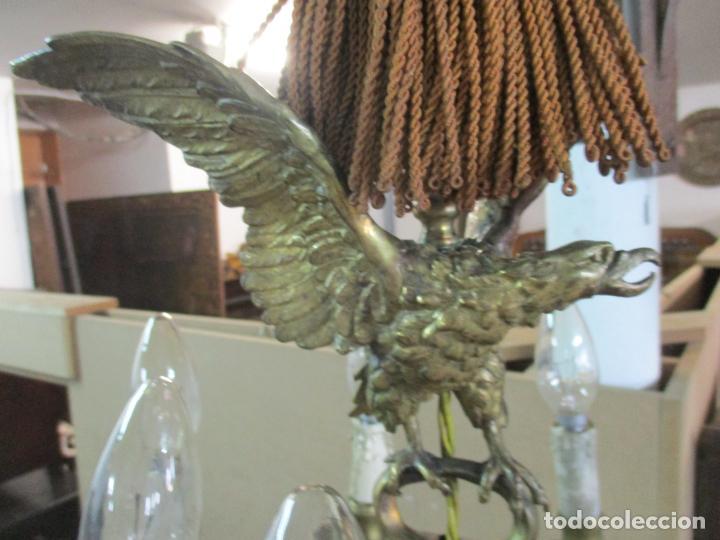 Antigüedades: Lámpara de Techo - Bronce Cincelado - 6 Luces - Decoración con Águila - Funciona - Foto 12 - 136445622