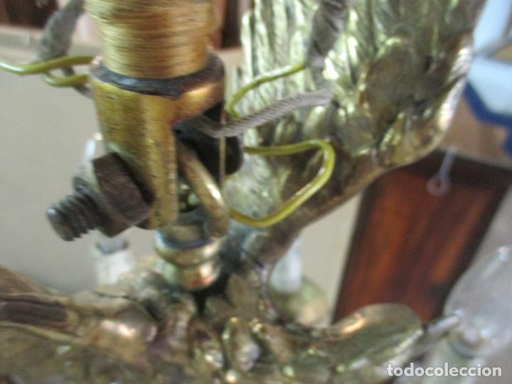 Antigüedades: Lámpara de Techo - Bronce Cincelado - 6 Luces - Decoración con Águila - Funciona - Foto 17 - 136445622